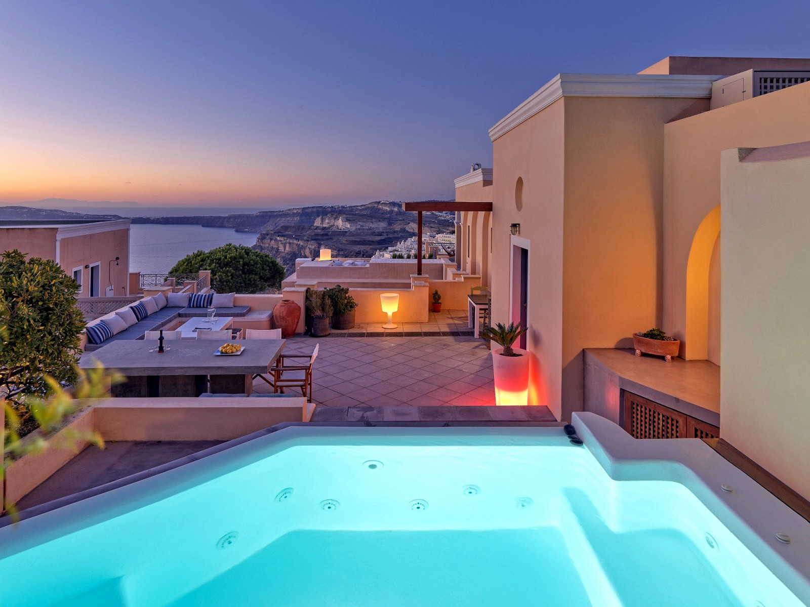 Santorini luxury Villa Archipel  | Jacuzzi, hot tube & seaview